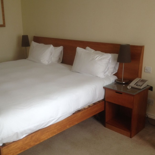 Heritage Bedroom Furniture Set