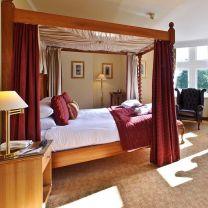 Windsor Four Post Bedroom Furniture Set