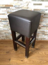 High Quality Bar Stool in Solid Wood with Metal Foot Rail